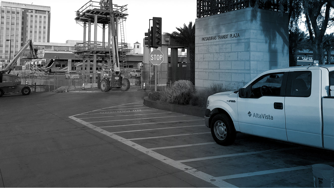 Alta Vista truck onsite at the LA Metro Union Station/Patsaouras Busway design-build project